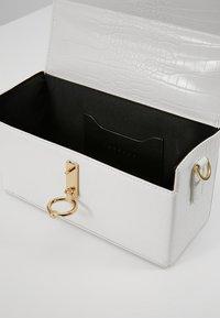 Topshop - CORO BOXY GRAB - Bolso de mano - white - 4