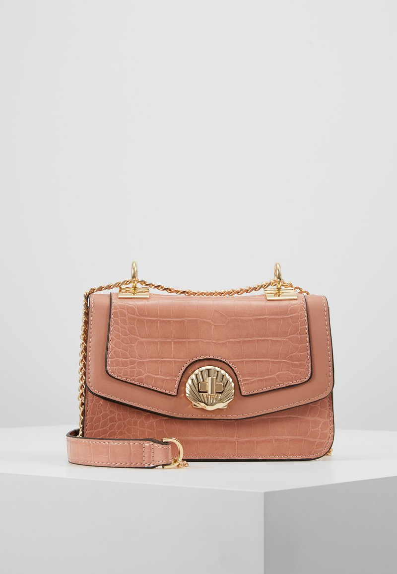 Topshop - SHELLY CROSSBODY - Bandolera - nude