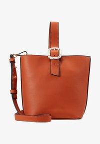 Topshop - TILT BUCKLE TOTE - Handtas - orange - 5