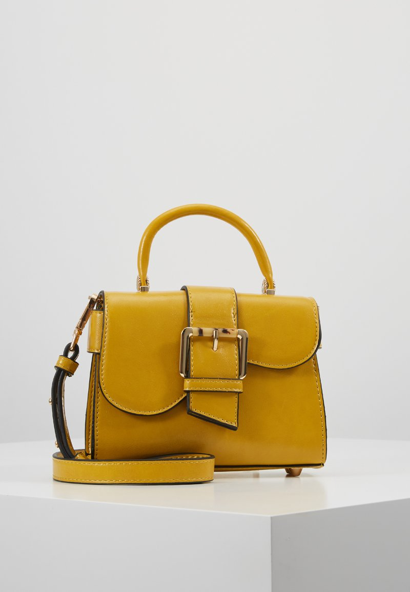 Topshop - MINNY BUCKLE MINI - Handtasche - chartreuse