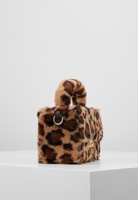 Topshop - FIZZ BOX GRAB - Borsa a mano - brown - 3