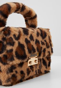 Topshop - FIZZ BOX GRAB - Borsa a mano - brown - 6