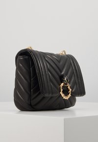 Topshop - CARL PANTHER QUILTED - Torba na ramię - black - 4