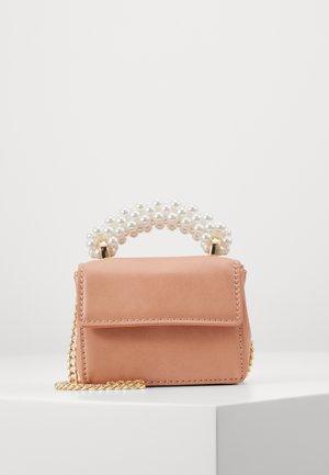 PEARL HANDLE MICRO CINDY - Across body bag - peach
