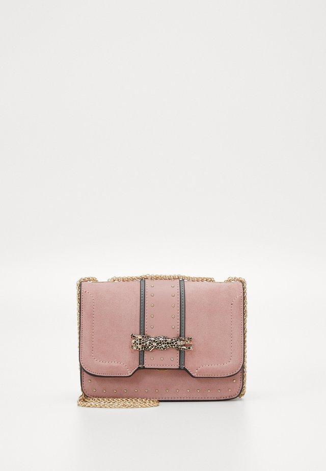 PANTHER PIECE - Across body bag - pink