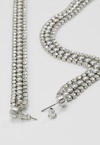 Topshop - WIN CUPCHAIN DROP - Earrings - silver-coloured - 2