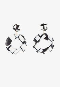 Topshop - MONO DISC DROP - Kolczyki - black/white - 3