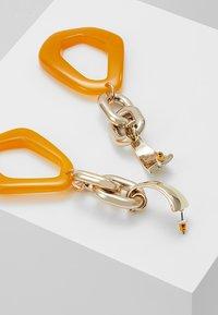 Topshop - LINK DROP EARRINGS - Orecchini - orange - 2
