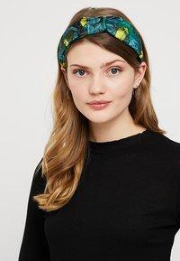 Topshop - TOUCAN HEADBAND - Accessori capelli - green - 1