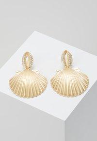 Topshop - PAVE DROP - Boucles d'oreilles - gold-coloured - 0