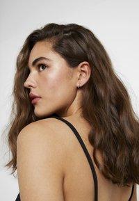 Topshop - MINI HOOP 5 PACK - Earrings - gold-coloured - 1