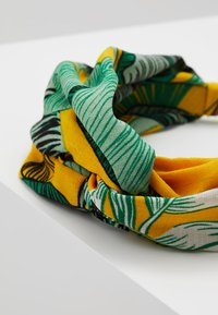 Topshop - MUST LEAF PRINT - Hair Styling Accessory - yellow - 4