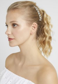 Topshop - CHAIN SLIDES 2 PACK - Hair styling accessory - silver-coloured - 1