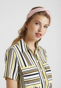 Topshop - KNOT HEADBAND - Accessori capelli - pink - 1