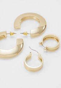 Topshop - SHARP EDGE THICK HOOPS 2 SET - Pendientes - gold-coloured - 2