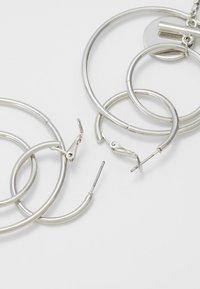 Topshop - HOOP DROP - Orecchini - silver-coloured - 2