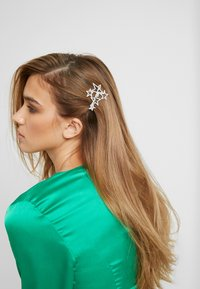 Topshop - STAR CLUSTER SLID - Hair Styling Accessory - crystal - 1