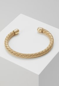 Topshop - WIN TWISTED CUFF  - Bracelet - gold-coloured - 0