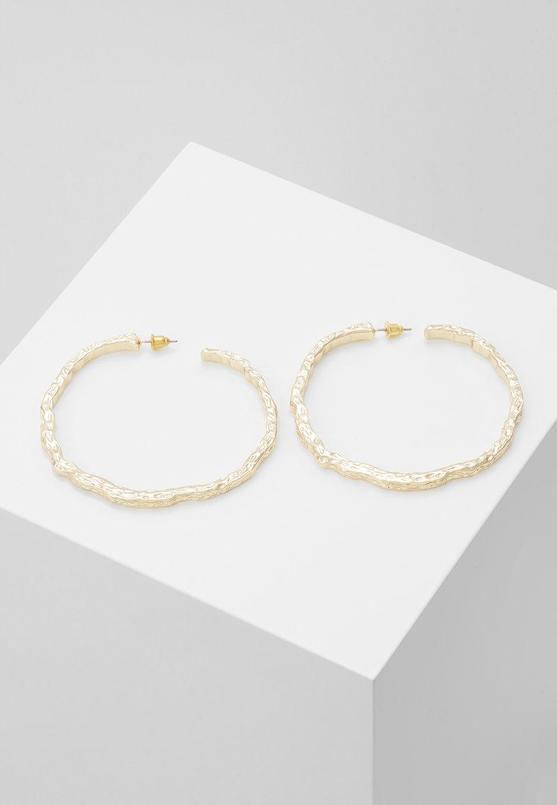 Topshop - TEXT OVERSIZE - Boucles d'oreilles - gold-coloured