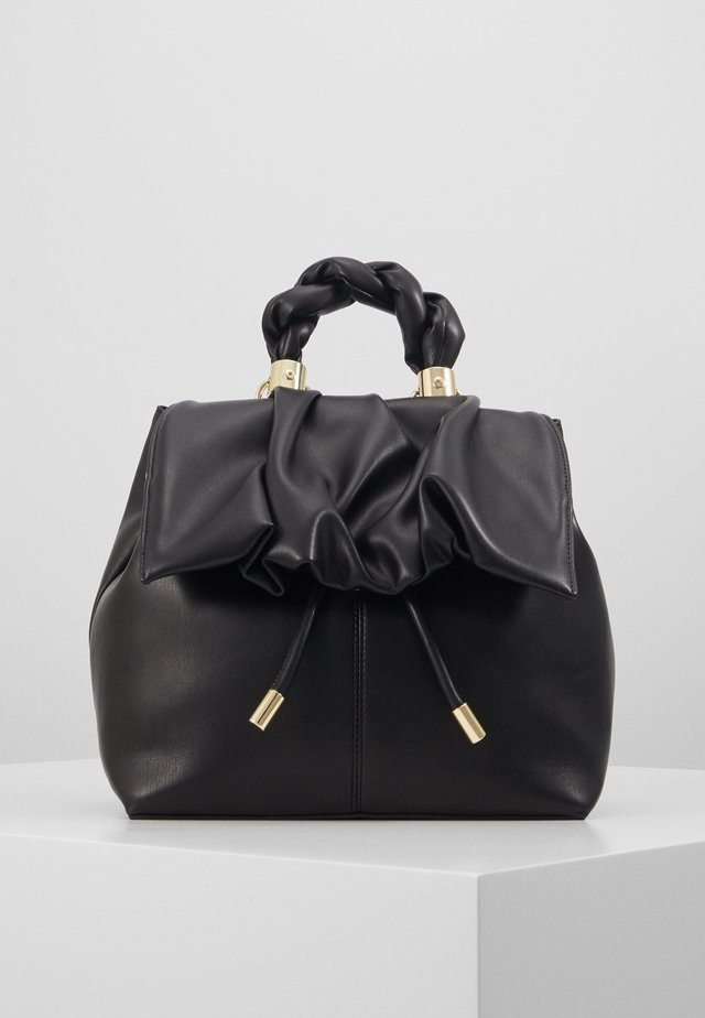 RUCHED FLAP BACKPACK - Batoh - black