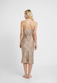 Topshop - BAMBI SLIP DRESS - Nightie - white/light brown - 2