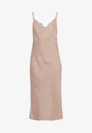 LEO TEXTURED SCALLOP SLIP DRESS - Noční košile - beige
