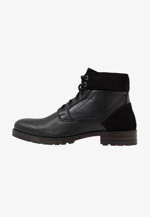 JACKSON CUFF BOOT - Stivaletti stringati - black