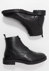 Topman - ORBIS HERITAGE BOOT - Botines con cordones - black - 1
