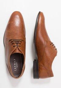 Topman - BRYANT DERBY - Smart lace-ups - tan - 1