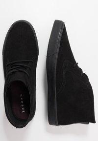 Topman - ROYCE CHUKKA - Casual lace-ups - black - 1
