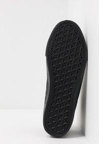 Topman - ROYCE CHUKKA - Casual lace-ups - black - 4
