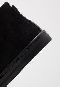 Topman - ROYCE CHUKKA - Casual lace-ups - black - 5