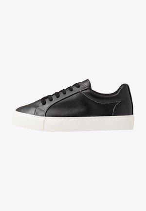 STEEP - Trainers - black/white