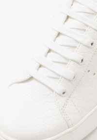 Topman - DRONE EMBOSS - Trainers - white - 5