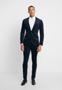 Topman - ALISTAR - Suit trousers - navy - 1