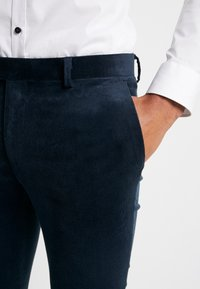 Topman - ALISTAR - Suit trousers - navy - 3