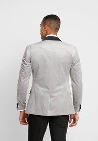 Topman - VELVET - Veste de costume - silver - 2