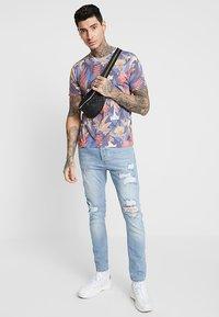 Topman - DETAIL FLOWER  - Print T-shirt - multi-coloured - 1