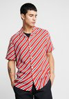 Topman - BERRY DIAGONAL STRIPE - Hemd - red