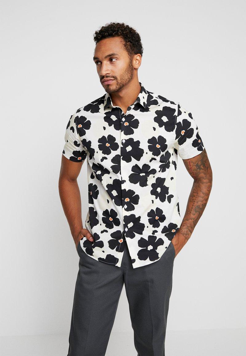 Topman - PAINTED FLORAL - Skjorter - white/black