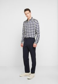 Topman - DOGTOOTH - Overhemd - grey - 1