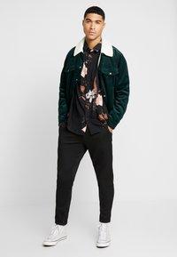 Topman - WINTER FLORAL - Shirt - black - 1