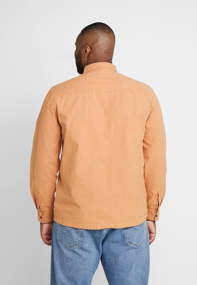 ONE POCKET POP - Camicia - rust