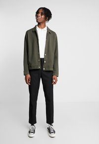 Topman - CHIVE SHACKET POPPER THROUGH - Summer jacket - green - 1