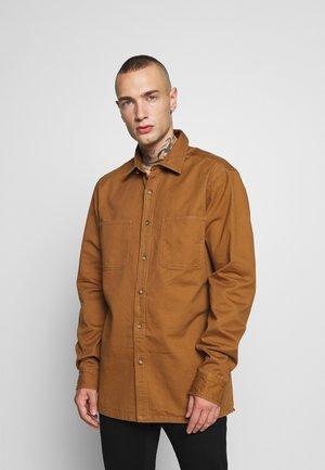 CONTRAST STITCH  - Camisa - brown