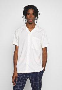 Topman - ECO VERO REVERE - Camicia - off white - 0