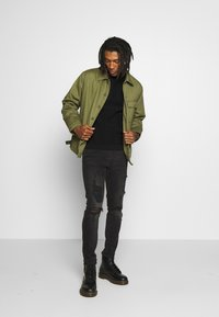 Topman - MILITARY DECK JACKET - Light jacket - green - 1