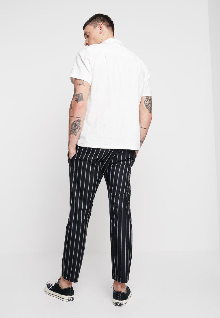 Topman - WHYATT - Pantaloni - black