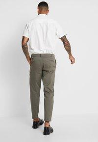 Topman - TAPER - Trousers - khaki - 2