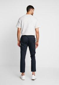 Topman - Pantaloni - dark blue - 2